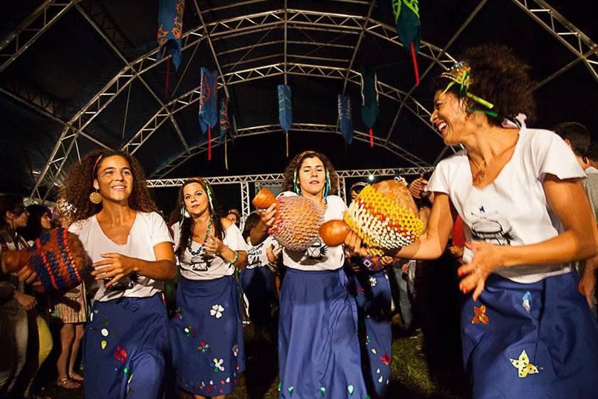 Orquestra-Alada-Trovão-da-Mata_Foto-Tatiana-Reis-840x560