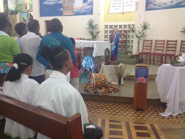 Celebração reuniu católicos e membros de religiões africanas em Macapá (Foto: Jéssica Alves/Site)