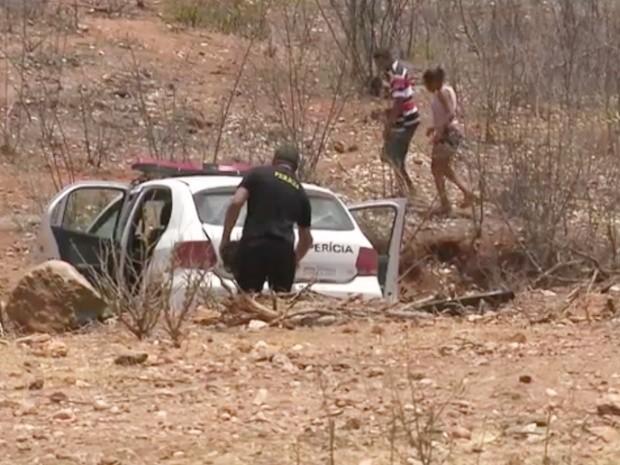 Criança foi encontrada morta em matagal com o corpo mutilado (Foto: Reprodução/TV Paraíba)