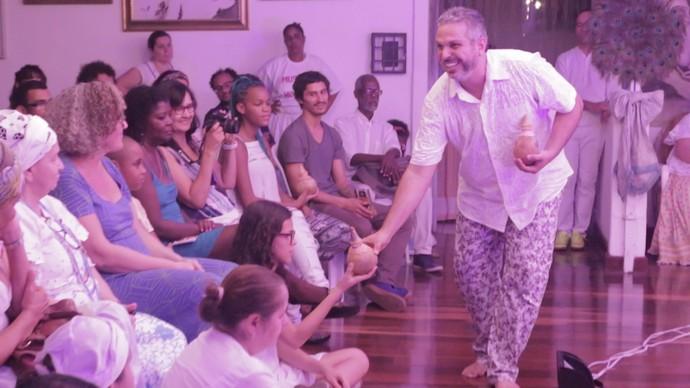 Projeto leva espetáculos de teatro e oficinas a terreiros de candomblé (Foto: TV Bahia)
