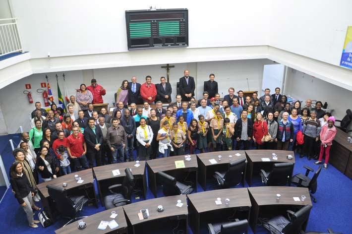 Divulgação Fórum de Liberdade Religiosa na Câmara de Taboão da Serra reuniu mais de 80 pessoas recepcionadas por Dr. André da Sorriso