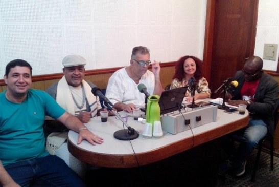 Pré-candidatos a vereador se apresentam em programa de rádio