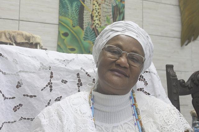 Wanda herdou da mãe o ofício da costura e casa de candomblé, o Ilè Ìyá Mí Òsún Mùíywá, fundado em 1956 / Norma Odara
