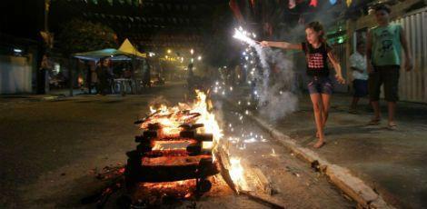 Uma fogueira será acesa para louvar o rei da festa no Pátio de São Pedro Edmar Melo/Arquivo JC Imagem