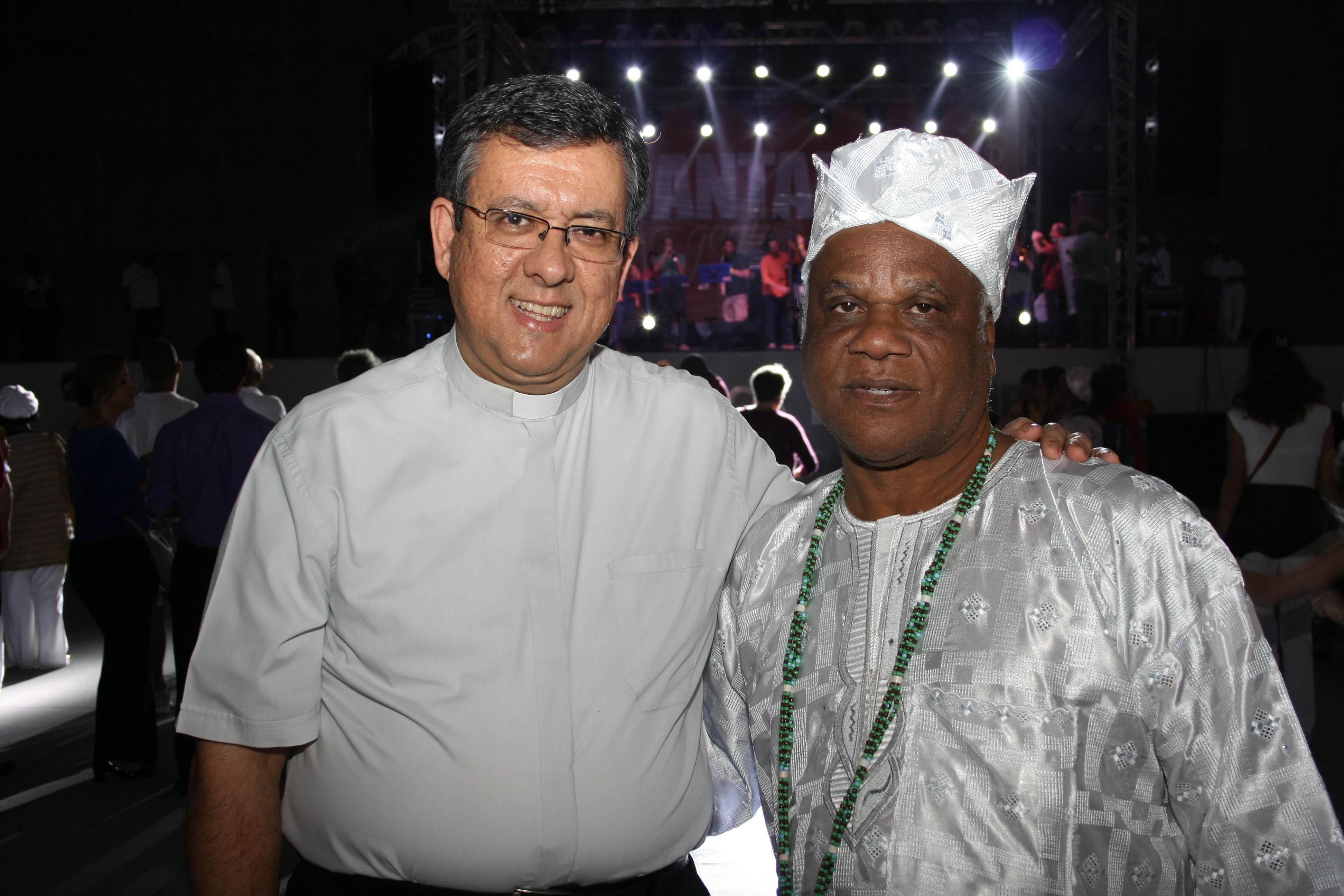 -Diácono Nélson Águia e Ivanir dos Santos
