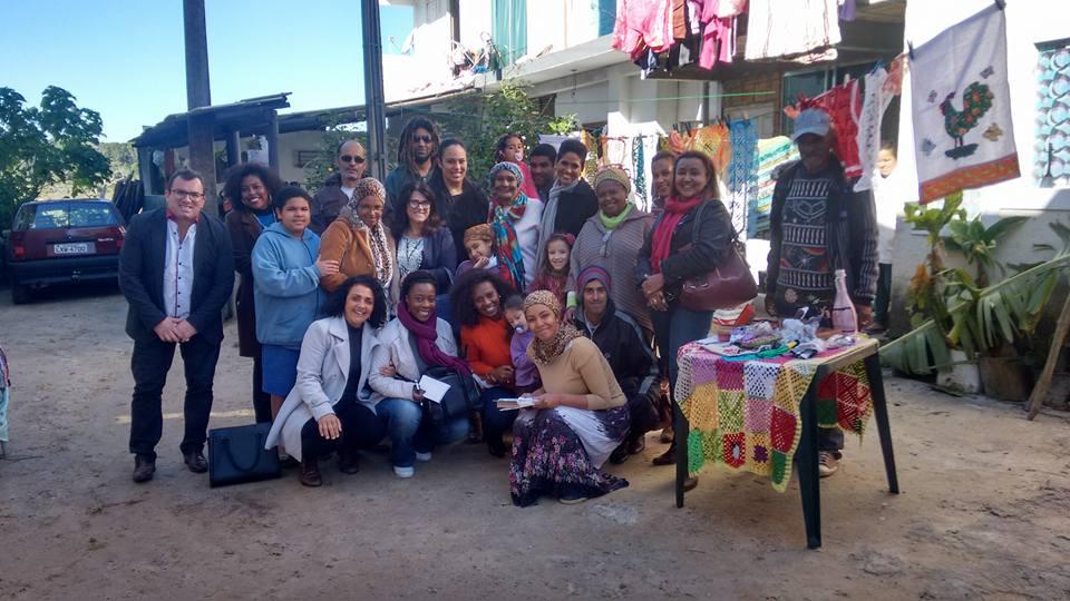 Famílias recebem Consulesa da França no Rio Vermelho