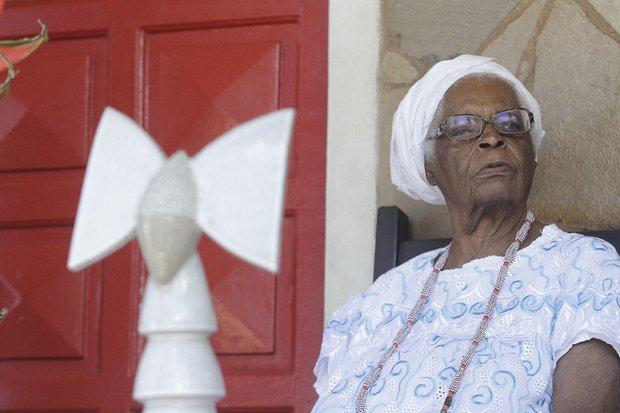 Mãe Stella de Oxóssi lembrou histórias da atuação de Mãe Aninha em defesa do culto afro (Foto: Marina Silva / CORREIO)