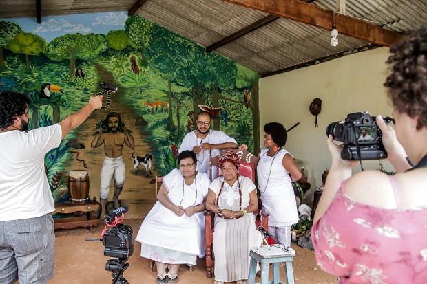 Entrevista no Ilê Axé Oyá Ladê Inan: documentário Do Que Aprendi com Meus Mais Velhos (Foto: Andréa Magnoni/Divulgação)