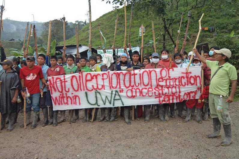 Protesto de indígenas contra exploração de petróleo na Colômbia. Foto: Reprodução/Facebook