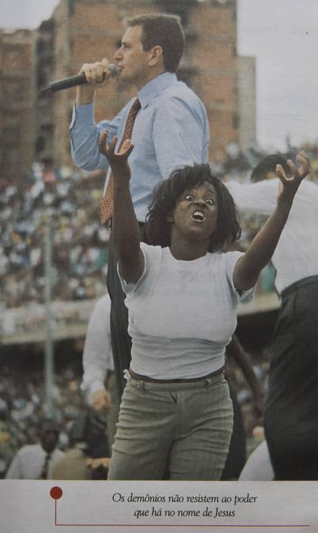"""Reprodução do livro """"Evangelizando a Africa"""", do senador Marcelo Crivella- Reprodução"""
