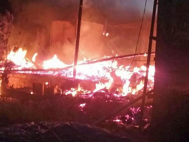 Terreiro de candomblé no Paranoá em chamas (Foto: Polícia Militar/Divulgação)