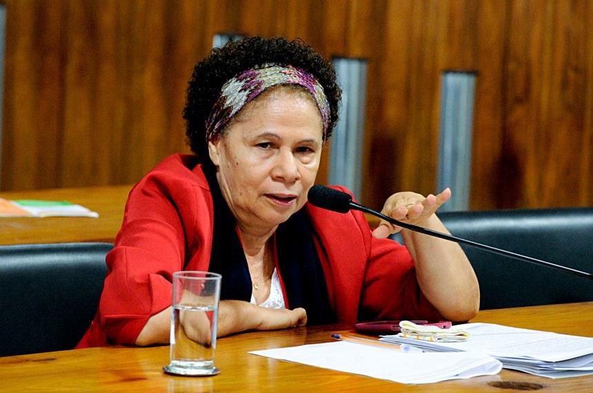 A senadora Regina Sousa (PT-PI) manifestou apoio às convenções da OEA e disse ser preciso combater o racismo por meio da educação Edilson Rodrigues/Agência Senado
