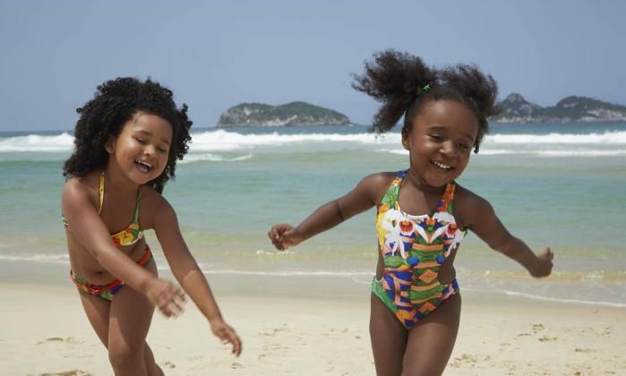 Cabelos ao vento. Campanha da Blue Man investe em 'modelos' crianças, com cabelo afro - Blue Man / Divulgação