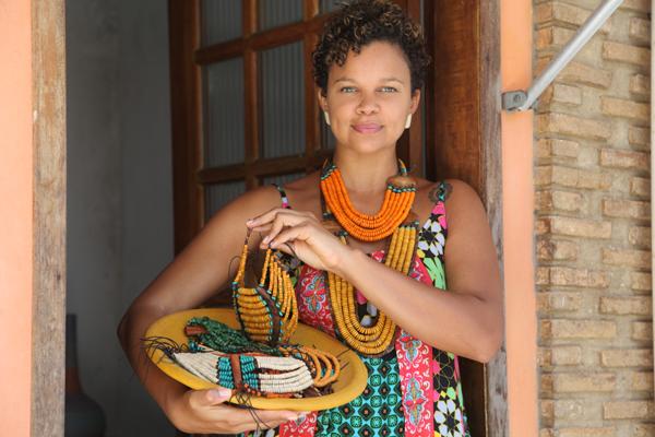 Luana Bonfim abandonou  a profissão na área de Desenho Industrial  para se tornar empreendedora  (Foto: Angeluci Figueiredo/CORREIO)