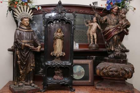 Arte sacra tem autoria de Mestre Valentim e Joaquim José da Veiga Valle Foto: Cléber Júnior / Extra