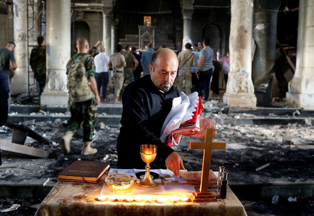 Cristãos voltam à missa perto de Mossul