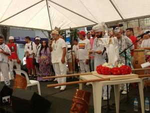 Grupo de Mogi realiza evento para comemorar o Dia da Umbanda (Foto: Elton Pires/ TV Diário)
