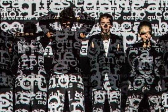 Espetáculo traça paralelo entre orixás, negação do racismo e vivências dos próprios artistas