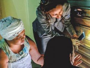 Equipe policial coleta provas após ataque a terreiro em Maceió FOTO: AILTON CRUZ/GA