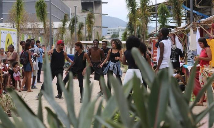 O grupo de dança Efeito Urbano estreou o novo parque- Custódio Coimbra