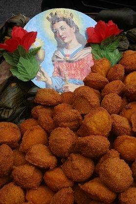 O acarajé é a comida preferida de Iansã, a dona da roça do Bate Folha: ela comanda (Foto: Arquivo Correio)