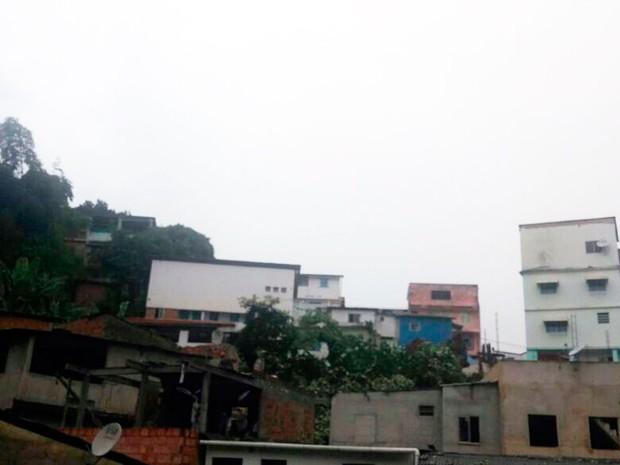 Terreiro onde árvore caiu fica no bairro de Luís Anselmo, em Salvador (Foto: Juliana Almirante/Site)