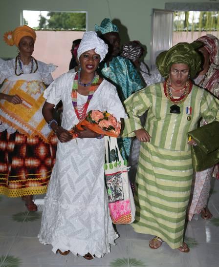 Princesa africana participou de uma dança religiosa com filhos de santo do terreiro de Caxias Foto: Cléber Júnior / Extra