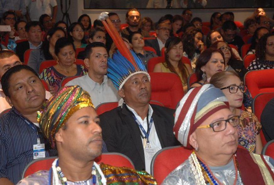Evento para marcar encerramento da Semana Internacional dos Direitos Humanos teve a presença de representantes de várias religiões / Fotos: Antonio Menezes e Paulo André Nunes