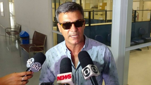 Leonardo Vieira presta queixa em delegacia do Rio Foto: Rafaella Javoski