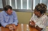 Deputado Altemir Tortelli recebe Mãe Carmen presidenta municipal do PT deGuaíba