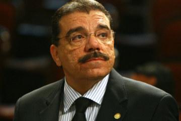 ÁTILA NUNES IMPEDE IGREJA UNIVERSAL DE SER ÚNICA RELIGIÃO NOS PRESÍDIOS DO RIO