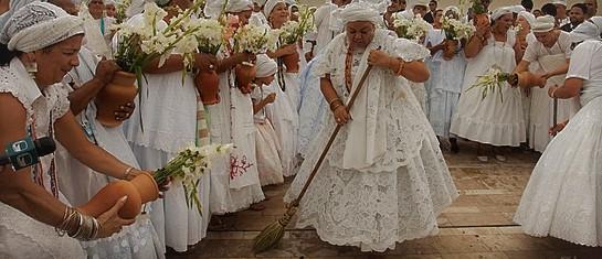Povos do samba e umbanda se reúnem na Câmara contra proibições de Crivella