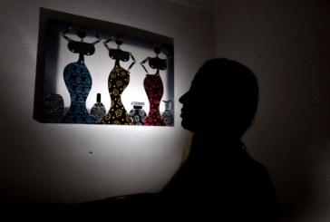 Professora que fez boneca afro retirada de escola por pastor diz que projeto continua