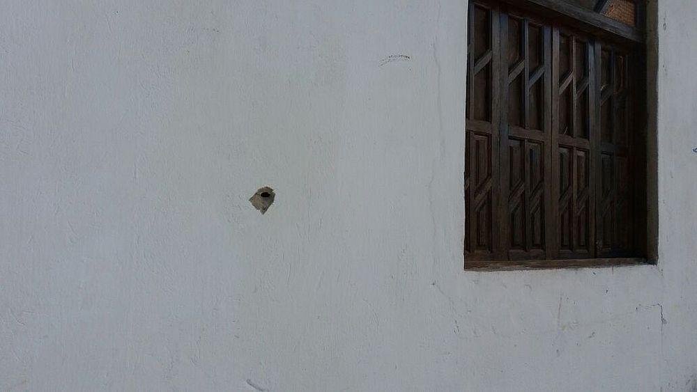 PMs invadem terreiro, atiram contra templo e prendem ogã no Subúrbio