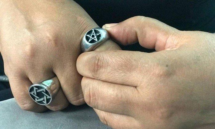 Traficantes da Baixada ameaçam expulsar bruxa de casa
