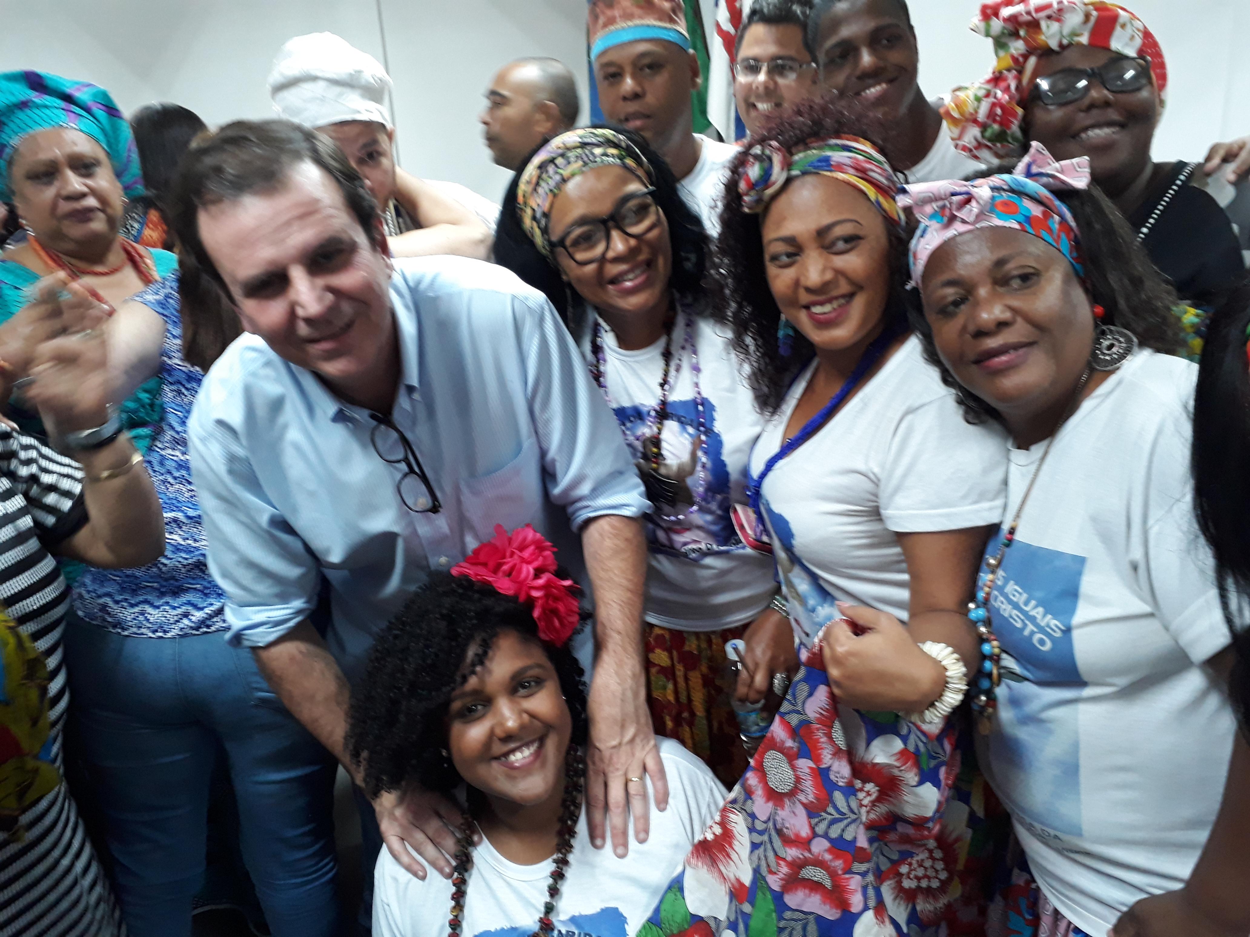 Eduardo Paes se reúne com representantes das religiões de matriz africana no Rio