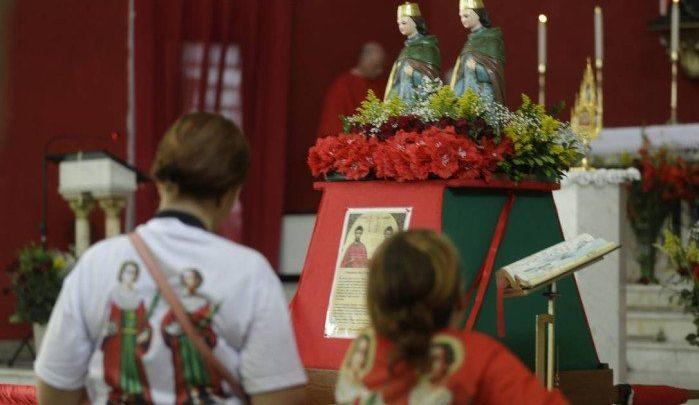 Cosme e Damião são celebrados em datas diferentes por católicos e devotos de religiões afro-brasileiras